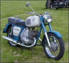 Cette moto est Russe.