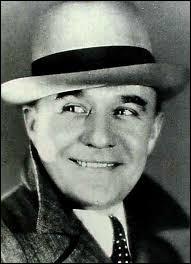 """""""C'est papa, c'est parisien"""" (Georges Milton) - Quel chanteur fait référence à un certain """"Milton Édouard"""" dans sa chanson """"Mon copain Bismark"""" ?"""