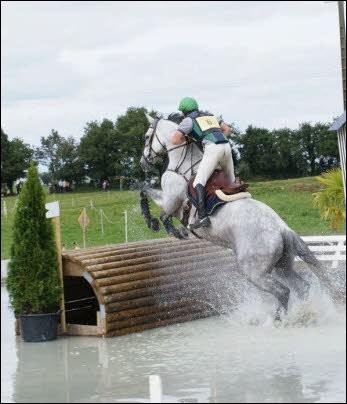 Le concours complet d'équitation est composé de trois épreuves. Lesquelles ?