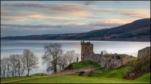 Dans quel pays européen le Loch Ness est-il situé ?