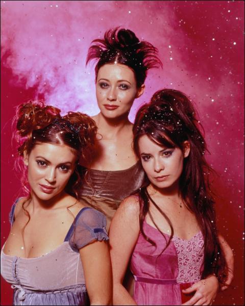 Quelle actrice de Charmed a chanté la chanson 'Stop' ?