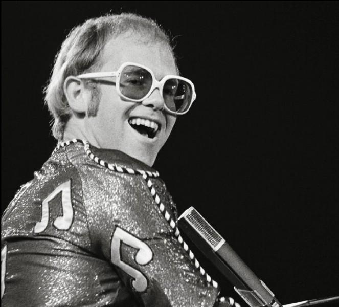 """Elton John nous chantait """"Blue..."""""""