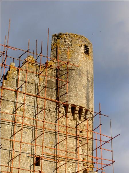 La construction des échauguettes du château sur le sud-ouest est estimée au :