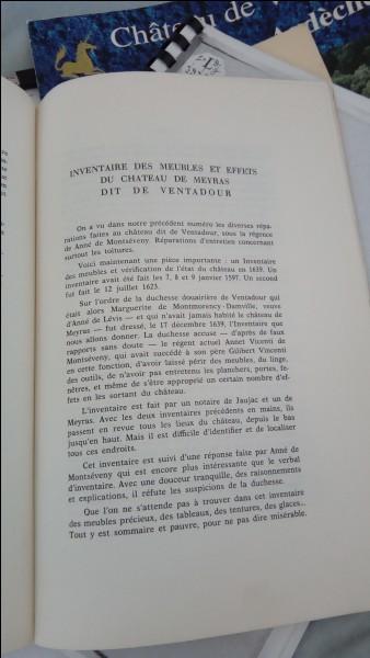 Dans quelle revue d'histoire est divulguée pour la première fois, en octobre 1974, l'inventaire du château, qui a servi de base aux travaux d'identification des pièces ?