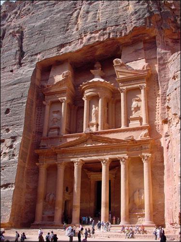 Pétra (Jordanie) apparaît dans le film Indiana Jones et la Dernière Croisade, mais quel peuple a construit cet ensemble unique ?