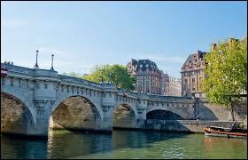 Quel est le plus ancien pont de Paris ?