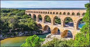 Dans quelle région se situe le pont du Gard ?