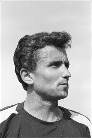 Michel Jazy a 82 ans. Il a marqué l'athlétisme français des années 1960 : sur quelle distance a-t-il obtenu la médaille d'agent aux JO en 1960 puis le titre européen en 1962 ?