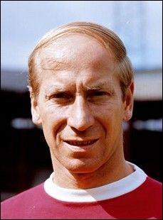 Ce footballeur, âgé aujourd'hui de 80 ans, a été l'artisan de la victoire de son équipe en coupe du monde et a reçu le ballon d'or en 1966. De qui s'agit-il ?