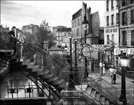 """Qui jouait dans le film de Marcel Carné """"Hôtel du Nord"""" ?"""
