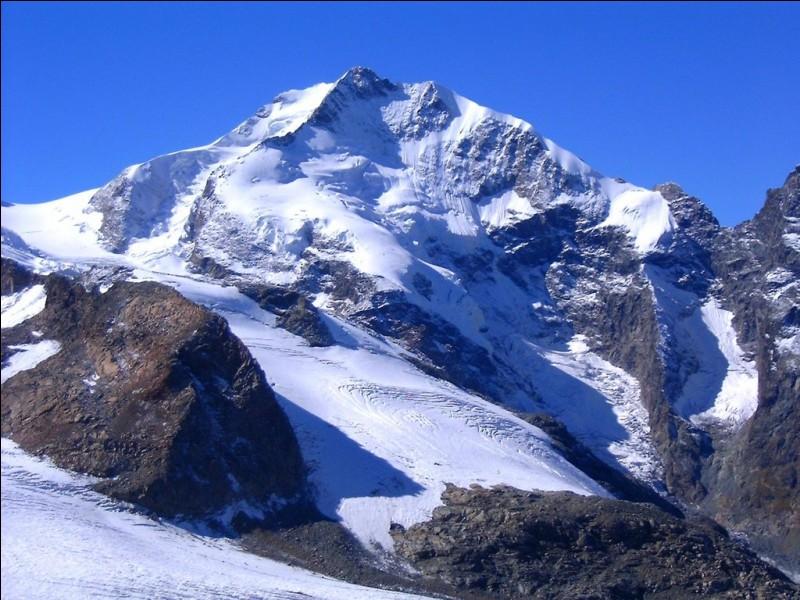 Donnez le nom de deux montagnes suisses ?