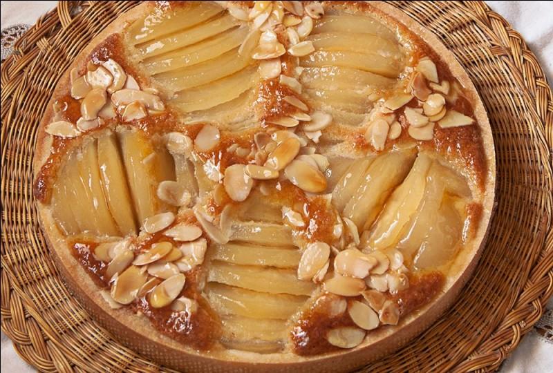 À quoi est lié le nom de la tarte Bourdaloue, entremets chaud à la crème d'amandes et aux poires fondantes ?