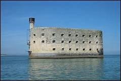 """Sur quelle chaîne retrouve-t-on """"Fort Boyard"""" ?"""