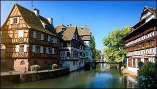 Dans quelle ville trouve-t-on la Petite France ?