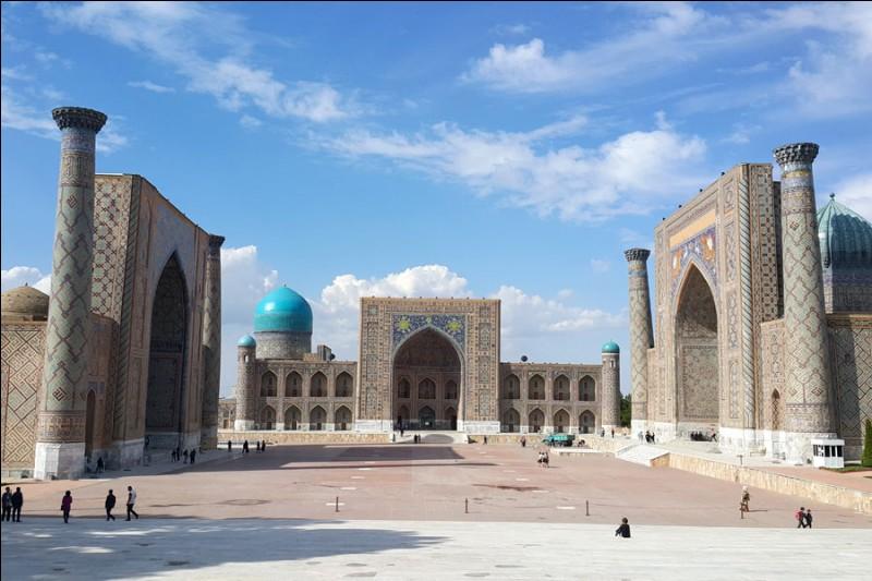 Cette ville d'Ouzbékistan, riche de son passé et de son patrimoine architectural, c'est :