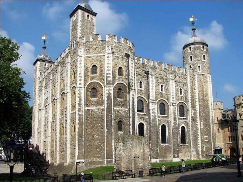 Quelle est la hauteur de la tour de Londres ?