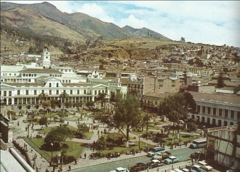 Quito est la capitale de quel pays ?