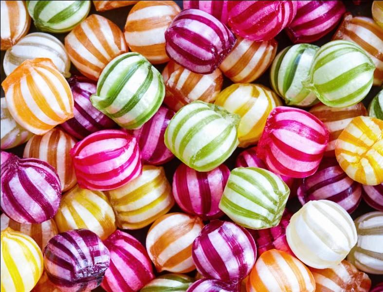 On t'offre un paquet de bonbons. Quelle est ta réaction ?