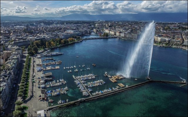 Le lac Léman est situé entre la Suisse et la France.