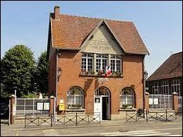 Commune des Hauts-de-France, dans l'arrondissement de Clermont, Le Plessier-sur-Saint-Just se situe dans le département ...