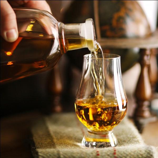 Avec quel soda mélange-t-on au Whisky très souvent ?