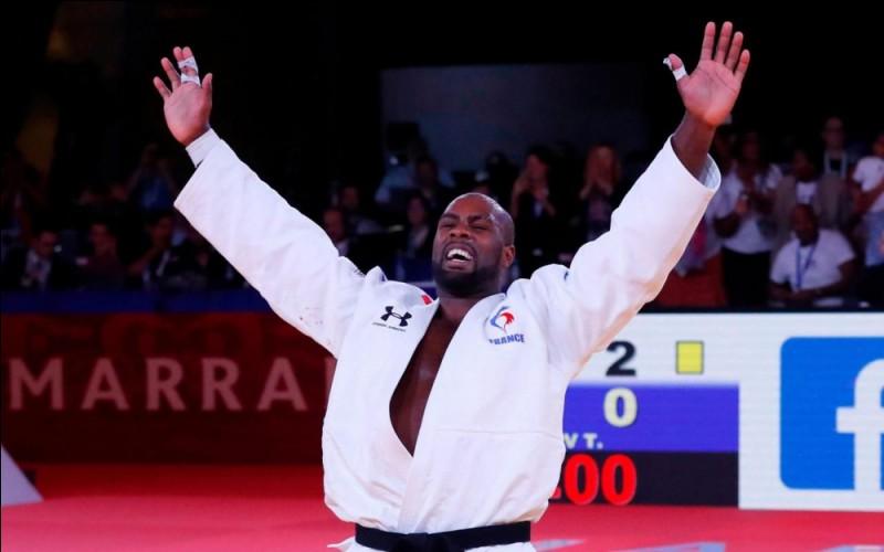 Au judo avec quelle couleur de ceinture débute-t-on ?