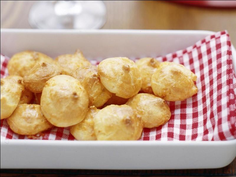 BourgogneC'est un mets fait de pâte de choux et de fromage.Je suis...