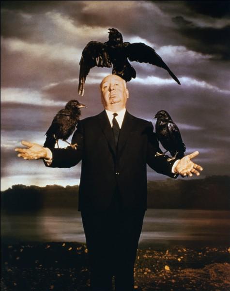 """""""Les Enchaînés"""" est un film réalisé par Alfred Hitchcock."""