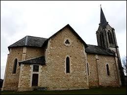 Voici l'église Saint-Pierre-ès-Liens de Brouchaud. Commune de l'aire urbaine de Périgueux, elle se situe dans le département ...