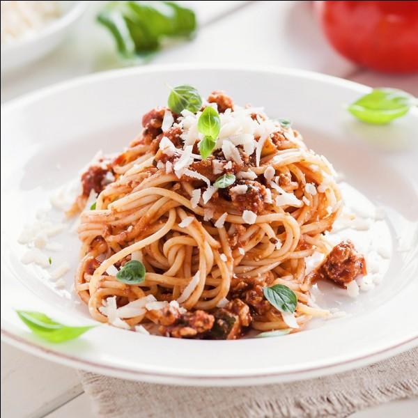 Avec quelle viande fait-on les pâtes à la bolognaise ?