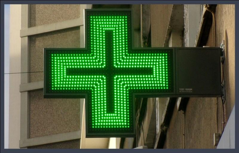 De quelle couleur étaient les croix de pharmacie avant de devenir vertes ? Elles étaient ...