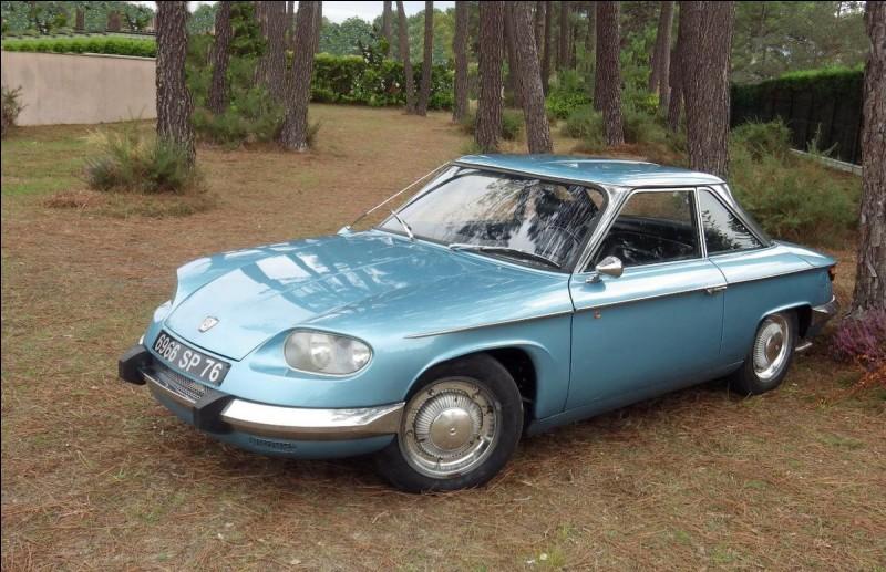 Continuons par la dernière voiture de Panhard. Cette marque a mis la clé sous la porte en 1967. Comment se nomme ce modèle ?