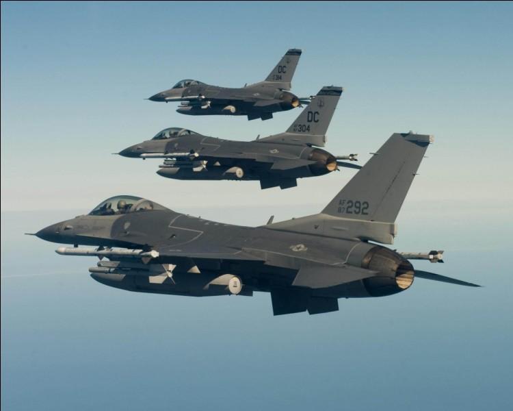 La vitesse maximale d'un Dassault Rafale par rapport à celle d'un F16 Fighting Falcon :