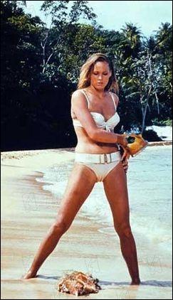La 1ère James Bond girl immortalisée par Ursula Andress est ...
