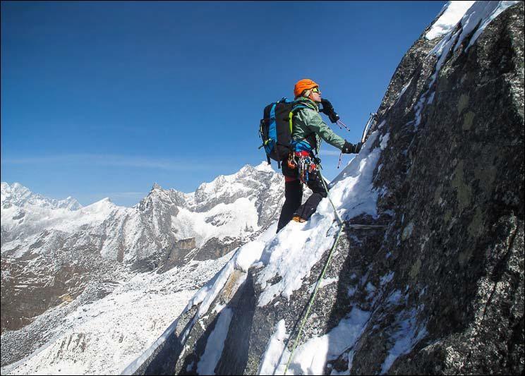 La hauteur du K2 par rapport à celle du Mont Blanc :