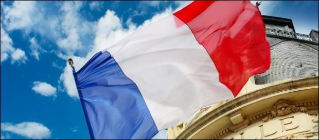 Comment se nomme le mouvement sous lequel Jean-Luc Mélenchon s'est présenté à l'élection présidentielle de 2017 ?