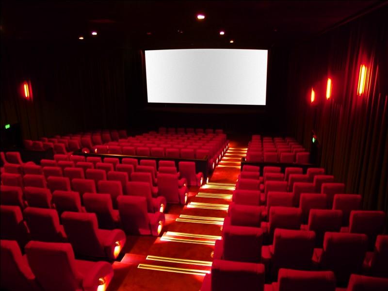 """Le nombre de spectateurs au box-office en France pour """"La grande vadrouille"""" par rapport à celui pour """"Intouchables"""" :"""