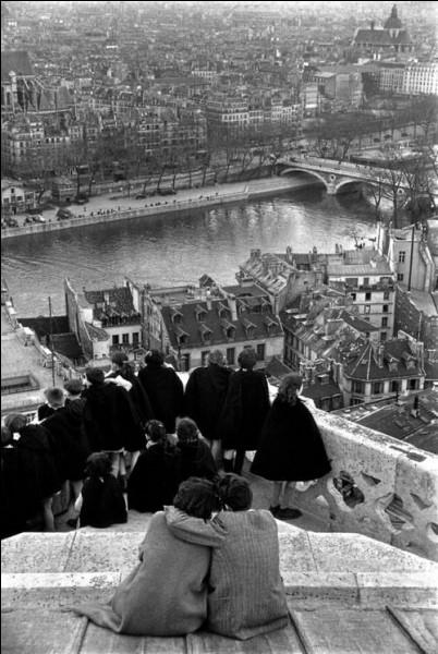 C'est Henri Cartier-Bresson qui a réalisé cette vue.
