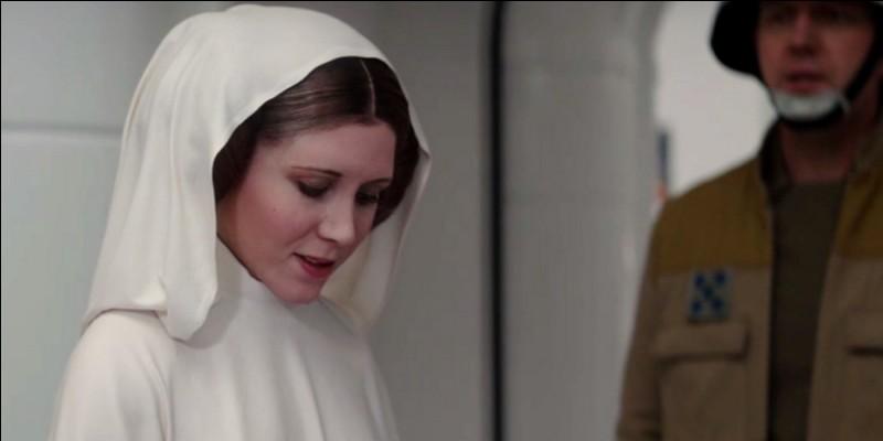 Quel est le seul mot prononcé par la princesse Leia dans le film ?