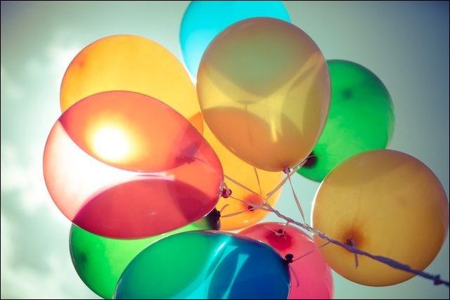 De quelle couleur étaient 'Les Ballons' de Serge Lama ?