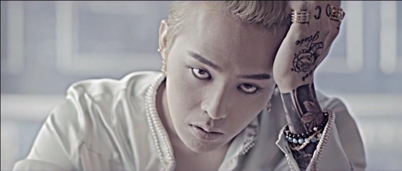 """Qui est apparu dans le MV """"That XX"""" de G-dragon ?"""