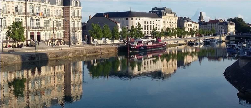 Quelles sont les sous-préfectures de la Meuse ?