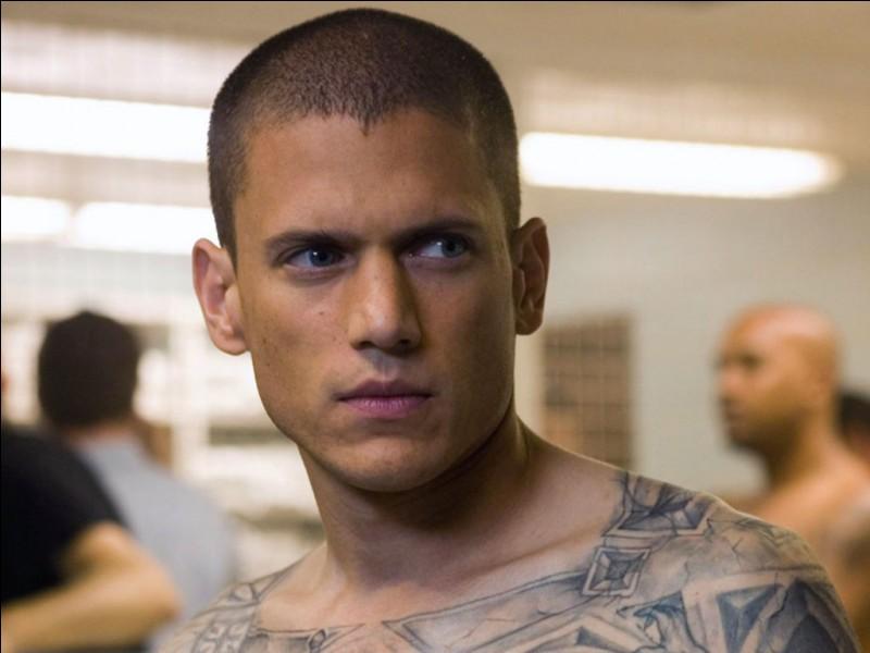 Comment s'appelle ce prisonnier ?