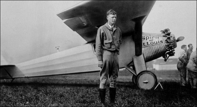 Après s'être entraîné avec des militaires, il fit ses ailes dans l'aéropostale des années 20. Il acquit une renommée internationale en devenant le 1er pilote à traverser l'Atlantique en solo et sans escale, reliant New York à Paris en 1927 en 33 h 30 min à bord du Spirit of St. Louis.Décoré par Goering avant Pearl Harbour, il assura plus de 50 missions au-dessus du Pacifique :