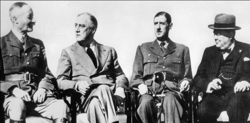 Personnage d'importance du XXe siècle, il fut le seul président américain à avoir été élu 4 fois. Confronté à la Grande Crise, il mit en œuvre le New Deal qui relança l'économie. Il réforma le système bancaire et fonda la Sécurité sociale. C'était aussi l'un des principaux acteurs de la Seconde Guerre mondiale. Il fut commandant en chef de l'armée américaine et prépara l'après-guerre :