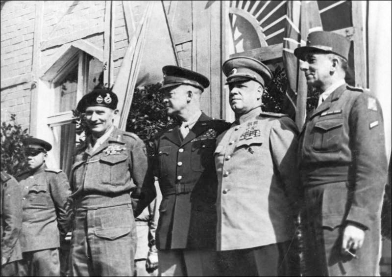 C'était un militaire de formation. En 1942, il fut nommé commandant en chef du théâtre européen des opérations et, plus tard, chef de toutes les troupes alliées d'Afrique du Nord. Il prépara le débarquement en Sicile et, avec ses nouveaux ordres, fut responsable du Jour J.Les Républicains le récupérèrent après cette guerre pour en faire le trente-quatrième président de leur pays :