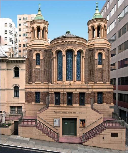 La messe du dimanche matin est toujours célébrée en français dans l'église du quartier français de San Francisco.