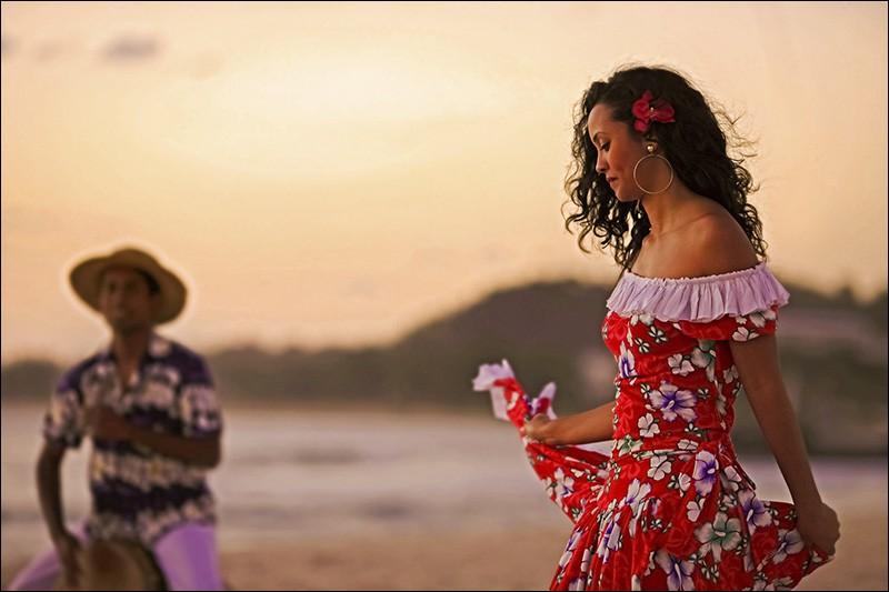 Le maloya, forme de musique héritée de l'esclavage, est un genre musical majeur à La Réunion.
