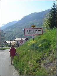 Ancienne commune Savoyarde, La Côte-d'Aime se situe dans l'ancienne région ...
