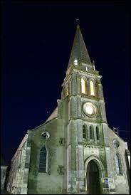 Petit tour dans le Centre-Val-de-Loire, à Saint-Amand-Longpré. Village de l'arrondissement de Vendôme, il se situe dans le département ...